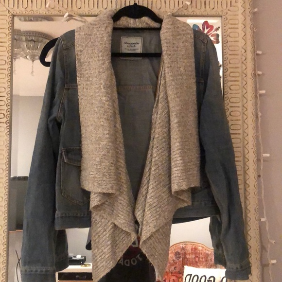 COPY - Abercrombie & Fitch Jean jacket with scarf